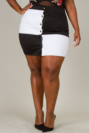 Plus Size BLACK WHITE COLOR BLOCK MINI SKIRT