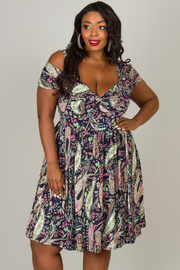 Plus Size Short Sleeve With Cut-Out Print Dress