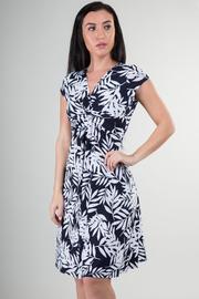 Short Sleeve Knee Dress With Tree Leaves Print