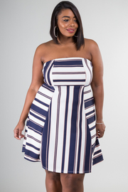 Plus Size Strapless Flounce Dress
