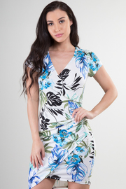 Short Sleeve Ruched Side Leaf Print Dress