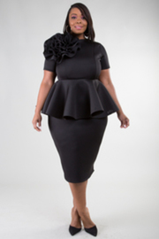 short sleeves big flower detail peplum style dress