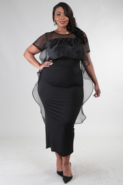 PLUS SIZE Round neck short sleeve with cascade ruffled fitted dress