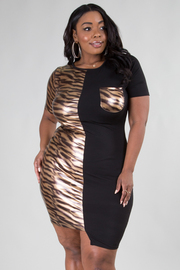 PLUS SIZE ROUND NECK SHORT SLEEVE HALF AND HALF FITTED DRESS