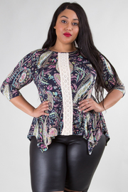 PLUS SIZE ROUND NECK 3/4 SLEEVE LACE DETAIL TOP