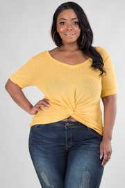 PLUS SIZE SHORT SLEEVE NEAT TOP