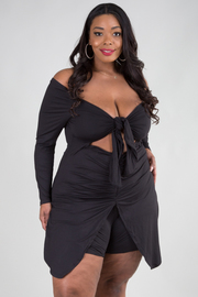 PLUS SIZE OFF SHOULDER TIE DETAIL SHORT DERESS