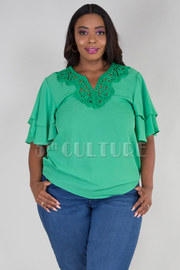 PLUS SIZE RUFFLED SLEEVE LACED DETAIL V-NECK TOP