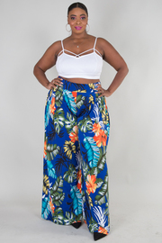 PLUS SIZE FLOWER AND LEAFY PRINTED PANTS