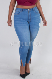PLUS SIZE SKINNY JEANS WITH SIDE PEARL DETAIL