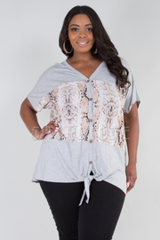 PLUS SIZE SHORT SLEEVE BUTTON UP SNAKE SOLID TOP