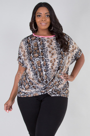 PLUS SIZE SHORT SLEEVE CROSS FRONT SNAKE TOP