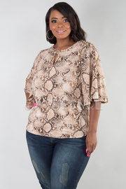 PLUS SIZE ROUND NECK WIDE SHORT SLEEVE SNAKE TOP