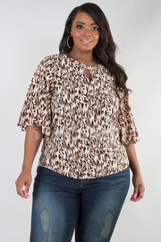 PLUS SIZE WIDE SHORT SLEEVE CHEETAH TOP
