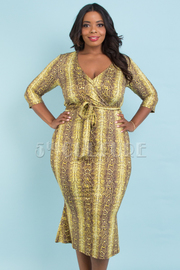 PLUS SIZE VERLAP FRONT 3/4 SLEEVE MERMAID MIDI DRESS