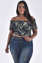 PLUS SIZE OFF SHOULDER SHORT SLEEVE PLEATED CROP TOP