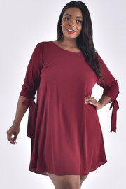 PLUS SIZE BOAT NECK 3/4 TIE SLEEVE SOLID MIDI DRESS