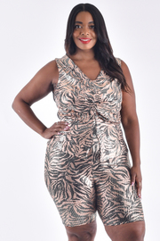 PLUS SIZE SOLID METALLIC SEQUIN TOP