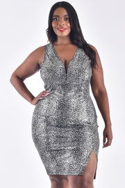 PLUS SIZE SLEEVELESS SIDE SLIT METALLIC DRESS