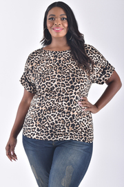 PLUS SIZE SHORT SLEEVE ANIMAL TOP