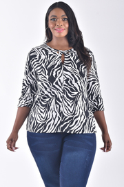 PLUS SIZE 3/4 SLEEVE CUT OUT FRONT PRINTED TOP