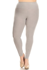 Plus Size High waist solid stretch leggings.