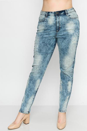 Plus Size Denim acid pants.