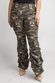 Plus Size Flare pants with ruched side bottom.