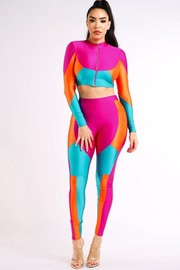 Colorblocked leggings set.