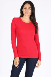 Basic solid round neck long sleeve waffle knit ehermal top.
