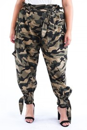 Plus Size Washed camo baggy pants.