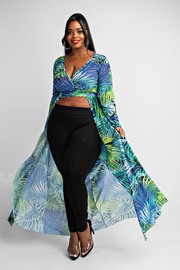 Plus Size Long sleeve top with maxi flowy bottom.