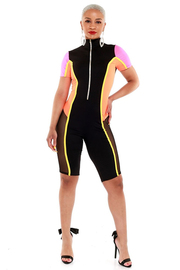 Color block solid short slv catsuit with zipper on the front.