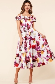 Garden print midi dress features a ruffle straight neckline and tiered flowy skirt.