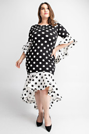 Plus Size Ruffle detailed 3/4 sleeve midi dress.