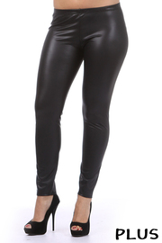 Plus Solid matte leather leggings.
