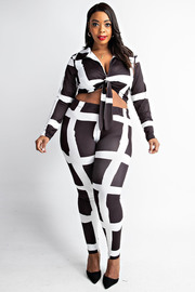 Plus Size Long sleeve tie front top and leggings set.