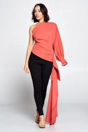 Solid one shoulder unbalnce fashion top..
