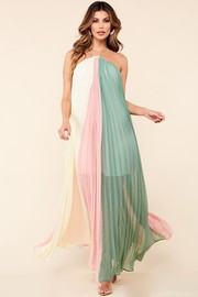 A flowy colorblock maxi dress.