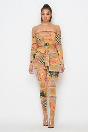 Chain print 2piece offshoulder with front tie top and full length leggings.