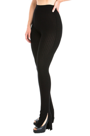 Ribbed leggings with slit detail.