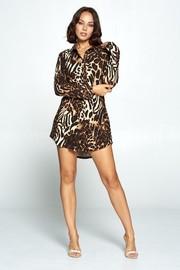 Leopard print buttom dress.