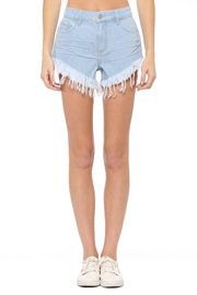High rise V cut fray hem shorts.