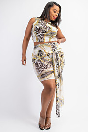Plus Size Sleeveless crop top and tie-front skirt set.
