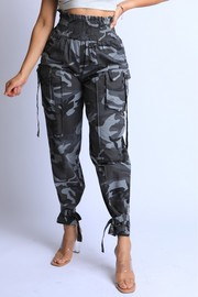 Camo Highwaisted Pants.
