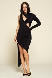 Asymmetrical cut detail one shoulder off midi dress.