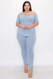 Plus Size One off shoulder and one cold shoulder 1/2 sleeves top and skinny pant set.