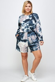 Plus Size Floral Print Top & Short Set.