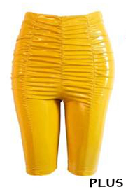 Plus Size Solid Ruched Capri.