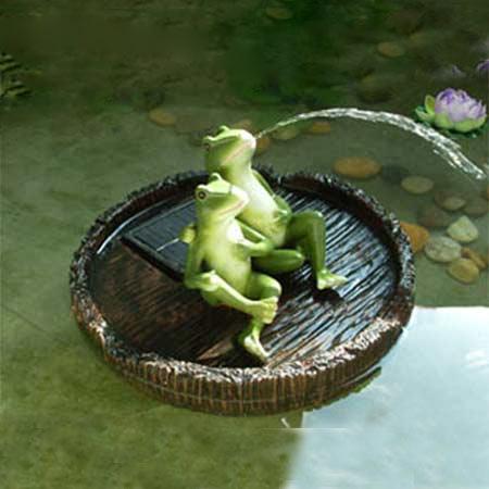 Frogs on Barrel Solar Pond Floater